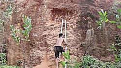 ساخت کلبه زیرزمینی در د...