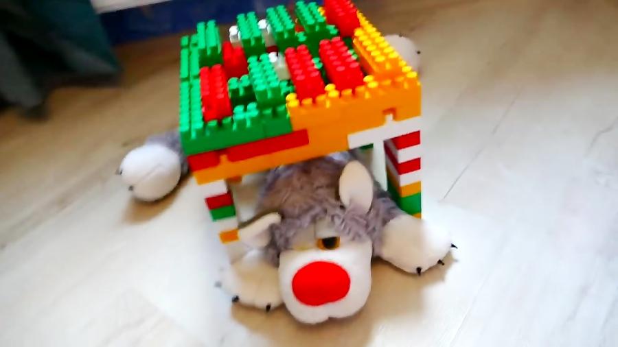 Niki repairing playhouses