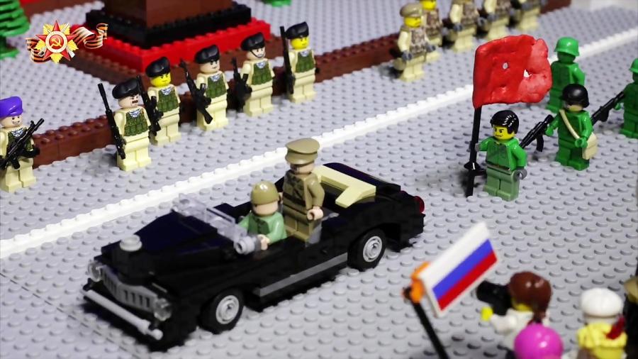 جنگ جهانی لگوها: رژه پیروزی لگوها در میدان سرخ مسکو