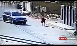 لحظه هولناک ربوده شدن دختر جوان در اهواز توسط یک گروه تبهکار در 19 تیرماه 1398