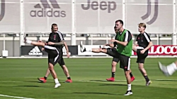 TIGHT-ROPES AND BALANCE-BALLS | Juventus pre-season training in full swing!