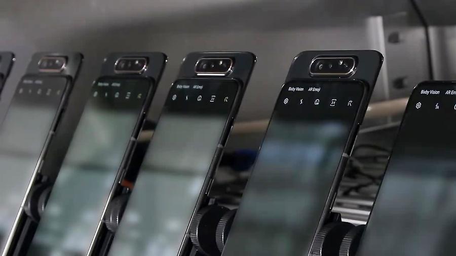 تست دوربین چرخان گلکسی ای ۸۰ (Galaxy A80)