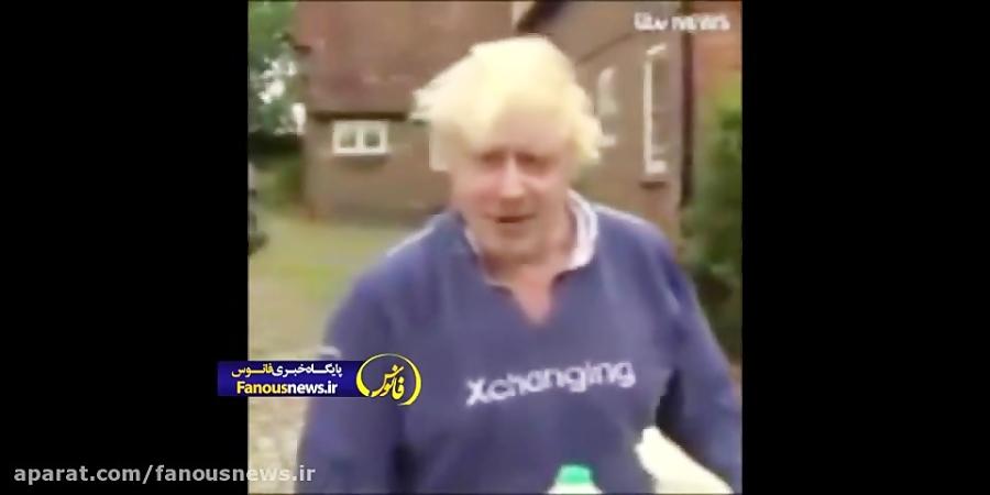 شگرد نخست وزیر انگلیس با شلوارک در رفتار با خبرنگاران !