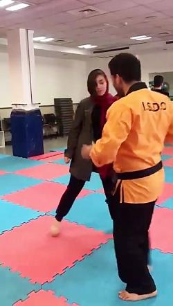 آموزش دفاع شخصی بانوان