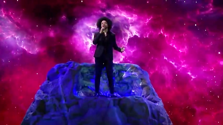 MacKenzie Soulful Singer Sings David Bowie's Life On Mars America's Got Talen
