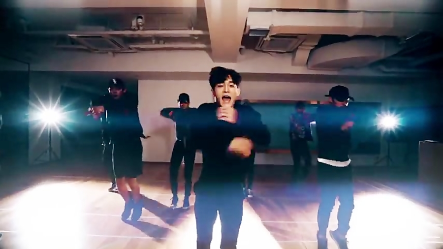 EXO  'Monster' Dance Practiceتمـرین رقـص اکسو--مانسـتر•دنبالـ=دنبالـ ..