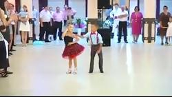 رقص زیبا دختر بچه و پسر بچه