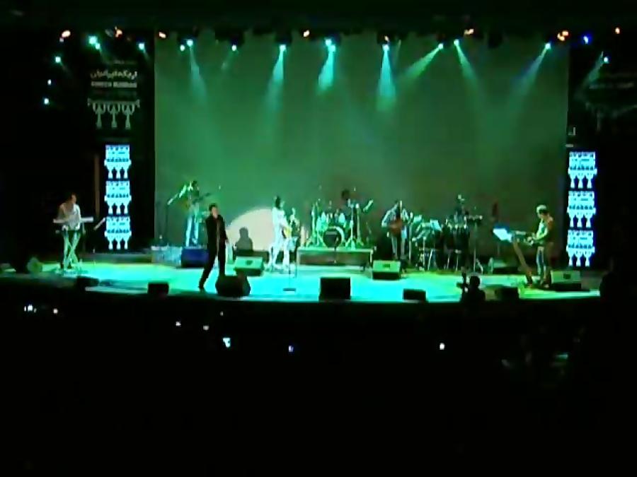 Behnam Alamshahi - Live In Concert ( بهنام علمشاهی - اجرای زنده آهنگ نمیخواستم )