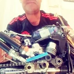 موتور دست ساز در پیج ای...