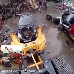 اوراق کردن خودرو با بازوی رباتیک