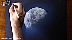 نقاشی ماه سه بعدی روی کاغذ