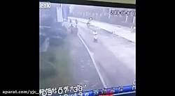 باز ماندن درب چاه فاضلاب در خیابان فاجعه ساز شد