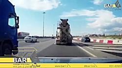 هرگز در نقطه کور راننده کامیون رانندگی نکنید