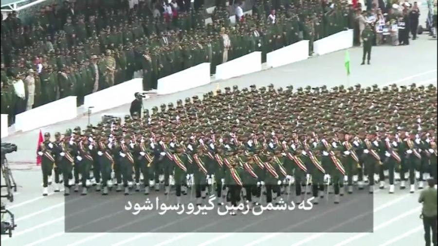 رژه حماسی پاسداران در حضور فرمانده