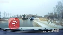 دو تصادف متوالی به دلیل یخ زدن جادهها در روسیه