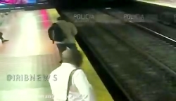 تصاویری از جوان حواس پرت اما خوش شانس در مترو بوینس آیرس آرژانتین