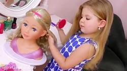 آرایش کردن عروسک توسط دیانا