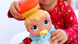 دیانا و شونه و مسواک زدن برای عروسک هاش