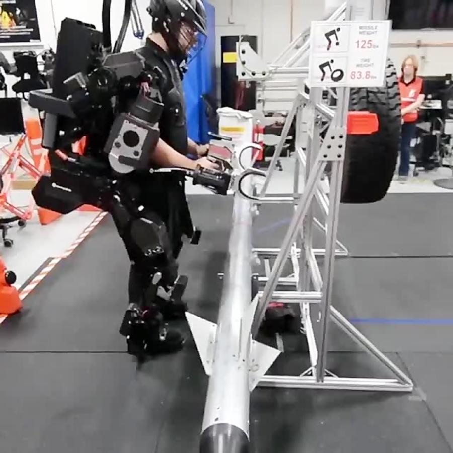 ربات پوشیدنی شرکت بوستون داینامیکز با بازوهای خاص