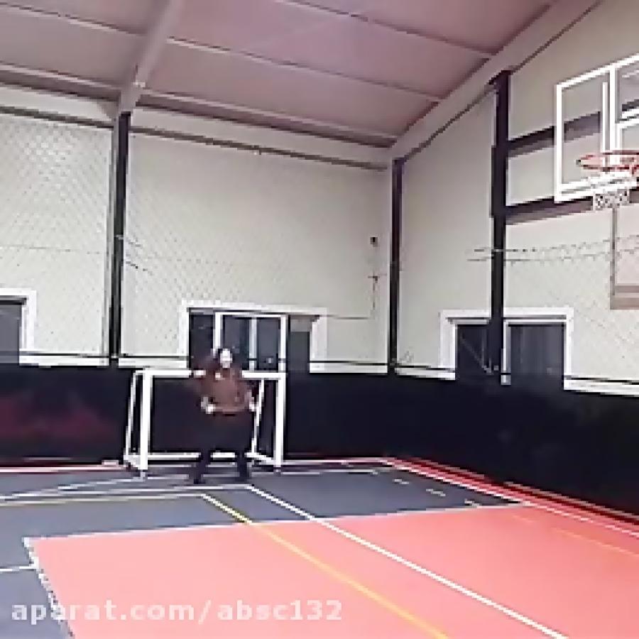 فوتبال بازی کردن بلک پینک