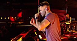 سیروان خسروی - تنها نذار (اجرای زنده در رامسر)