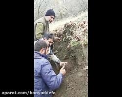 فیلم/ لحظه کشف پیکر دو شهید در ارتفاعات پنجوین عراق