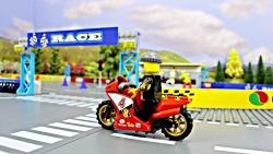 داستان های لگو ، مسابقه موتورسیکلت