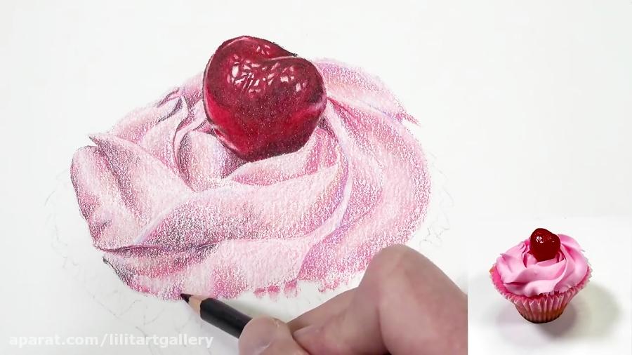 نقاشی یک کیک فنجانی با تکنیک مدادرنگی
