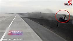لحظه پرتاب راننده به آسمان از خودروی در حال معلق زدن در روسیه