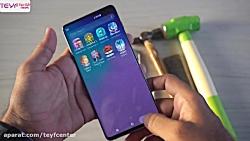 تست مقاومت صفحه نمایش گوشی اس 10 پلاس در برابر ضربه و خط و خش