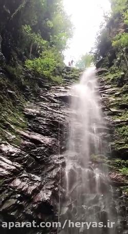 فرود از آبشار گزو