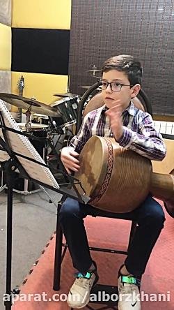 آموزش تمبک در آموزشگاه موسیقی آذرنگ
