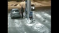 انفجار در پمپ بنزین