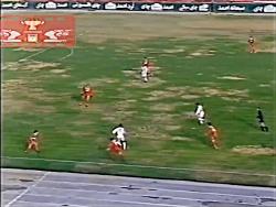احمدرضا عابدزاده در بازی پرسپولیس و تراکتور سال ۷۹