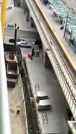 18+ سقوط وحشتناک پسر جوان به خاطر خودنمایی