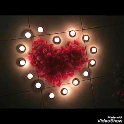 سورپرایز ولنتاین جالب با شمع و گلبرگ قرمز