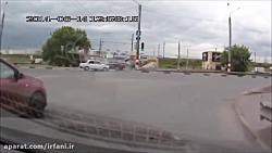 تصادف ماشین دوربین خود...