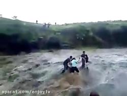 سیل وحشتناک - آب بردشون