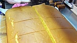 تهیه و برش کیک بزرگ اسفنجی ، کاستلا غول پیکر