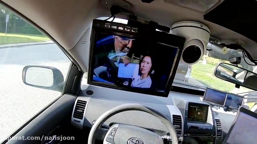 ربات پلیس امنیت جاده ها را تضمین می کند