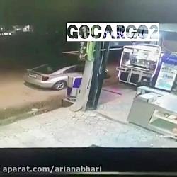 برخورد یک ماشین با سوپر مارکت در ایران