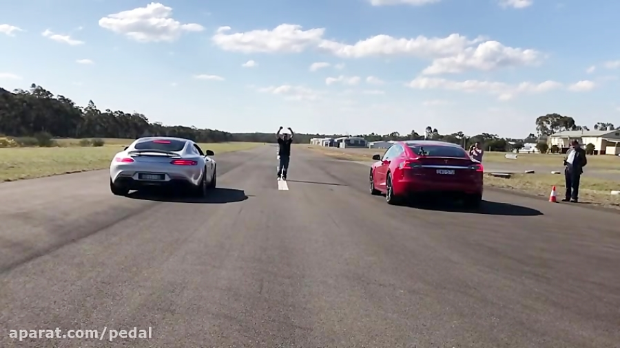 درگ تسلا مدل S و مرسدس AMG GT