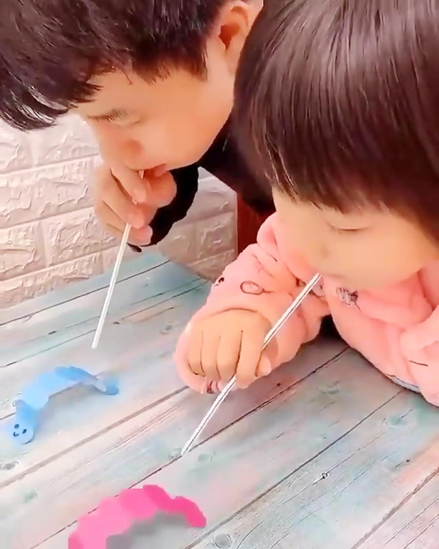 یه بازی ساده سرگرم کننده برای بچه ها