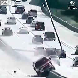 حوادث واقعی -حوادث وحشتناک - حوادث جالب - قسمت ۵۴( رانندگی عجیب در اتوبان)