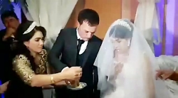 سیلی خوردن عروس