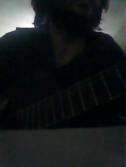 هوای مادرتونو داشته باشین گیتار میم مثل ماااااادر