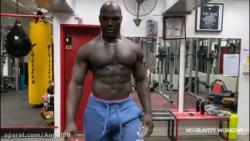 تمرین کردن انگیزشی Alain Ngalani ، رکورد دار سریع ترین ناک اوت