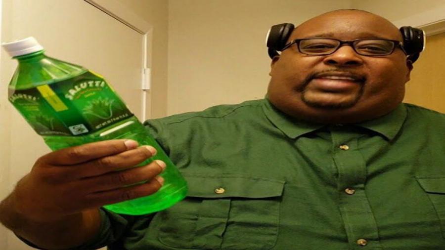 بیگ اسموک واقعی!!!!(خوردن کلی غذا!!!!!!! (از بیگ اسموک Gta SA هم چاق تره!!!
