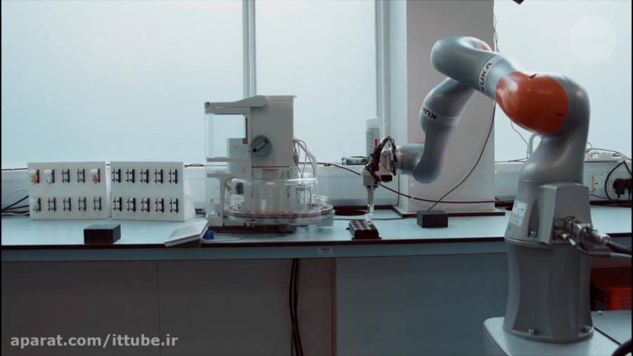 رباتی که کار تحقیقاتی چ...