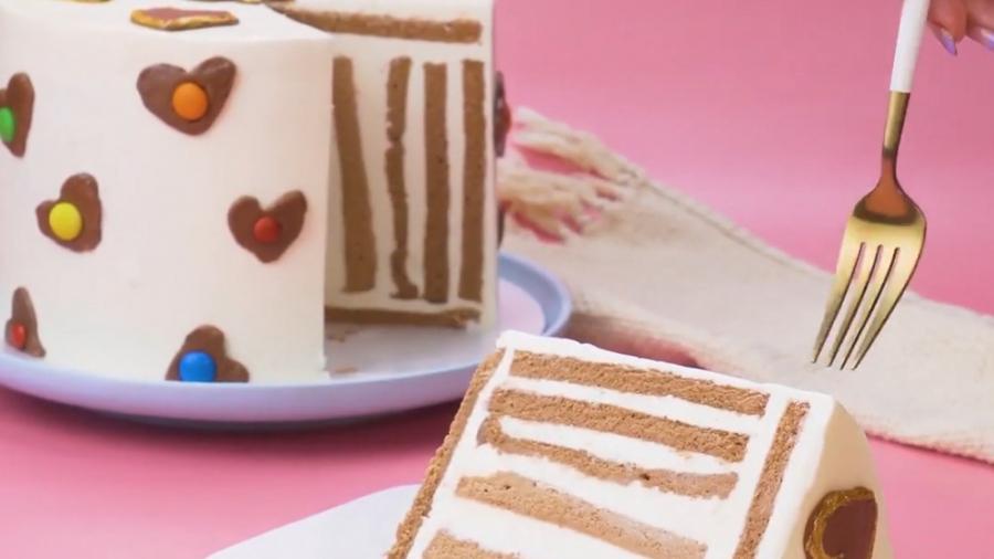 تزیین کیک شکلاتی :: ایده های ساده و جذاب برای تزیین کیک خانگی
